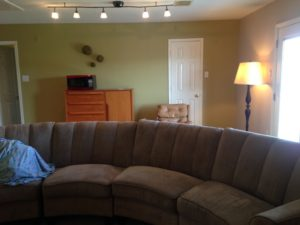Now the entryway and this family room are all the same pretty color.