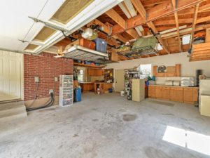 The garage alone is worth a visit. Storage, workshop area, and lots of space for cars.